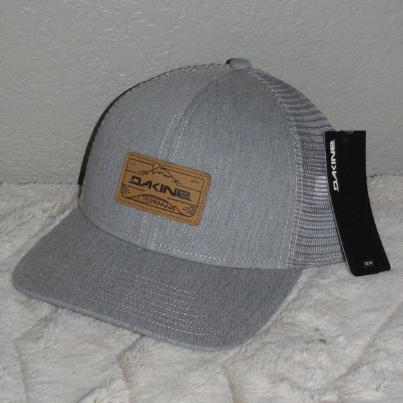 New NWT Dakine Men s Peak to Peak Trucker Hat Grey 45cdd576501